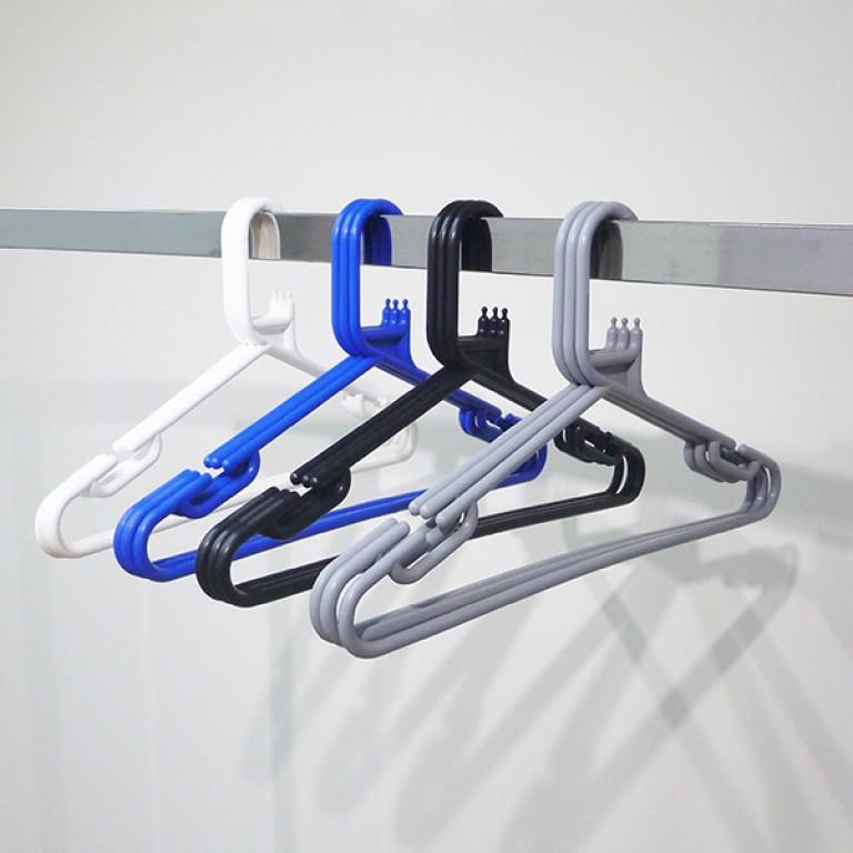 Black Plastic Coat Hangers With Bar