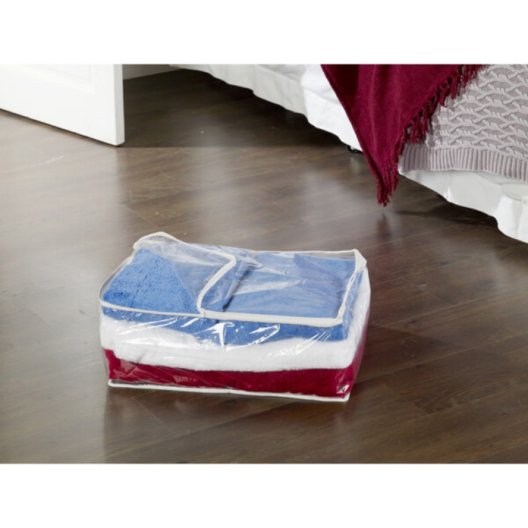 Clear blanket storage bag with zip fastening